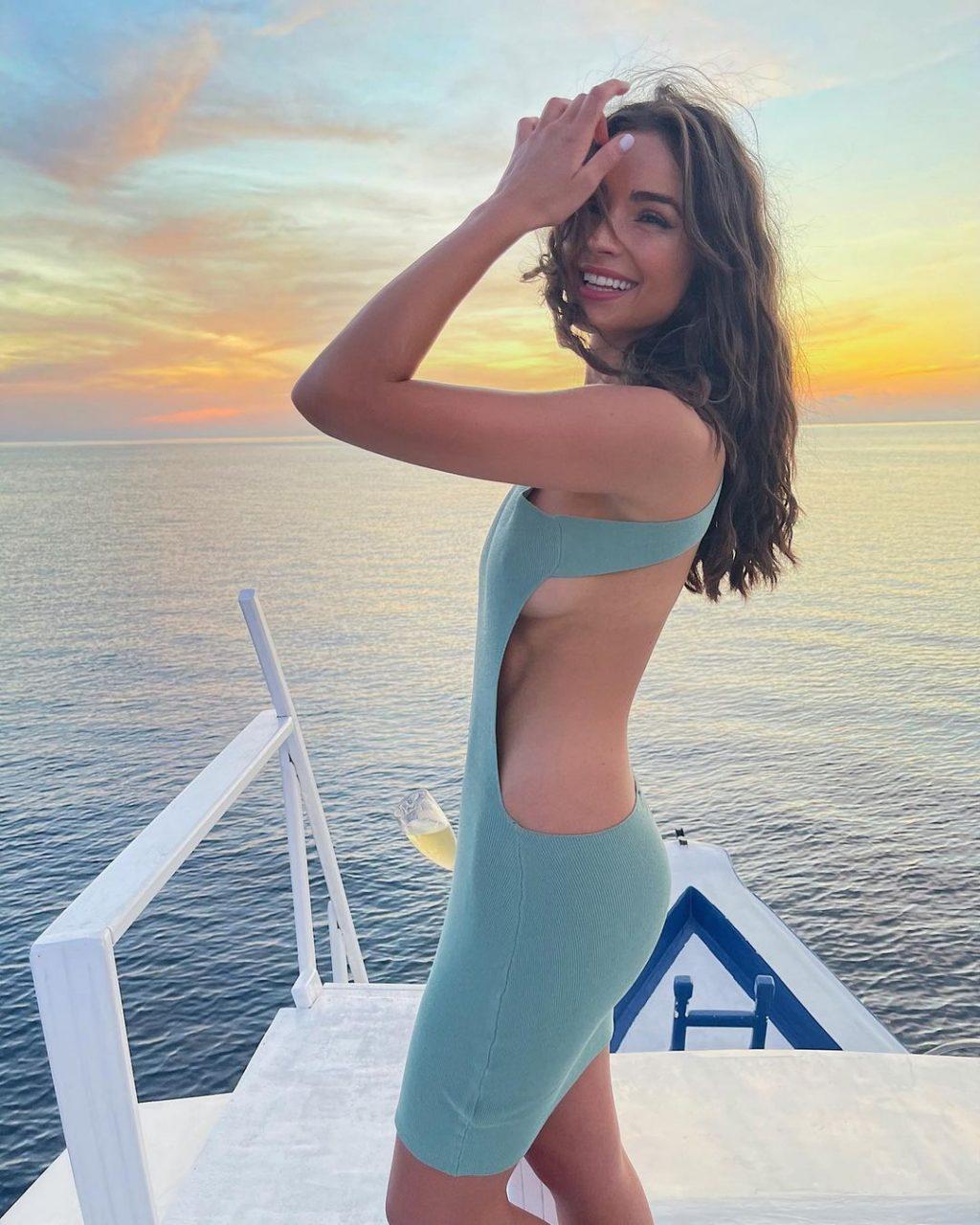 Olivia Culpo Sexy (4 Hot Photos)