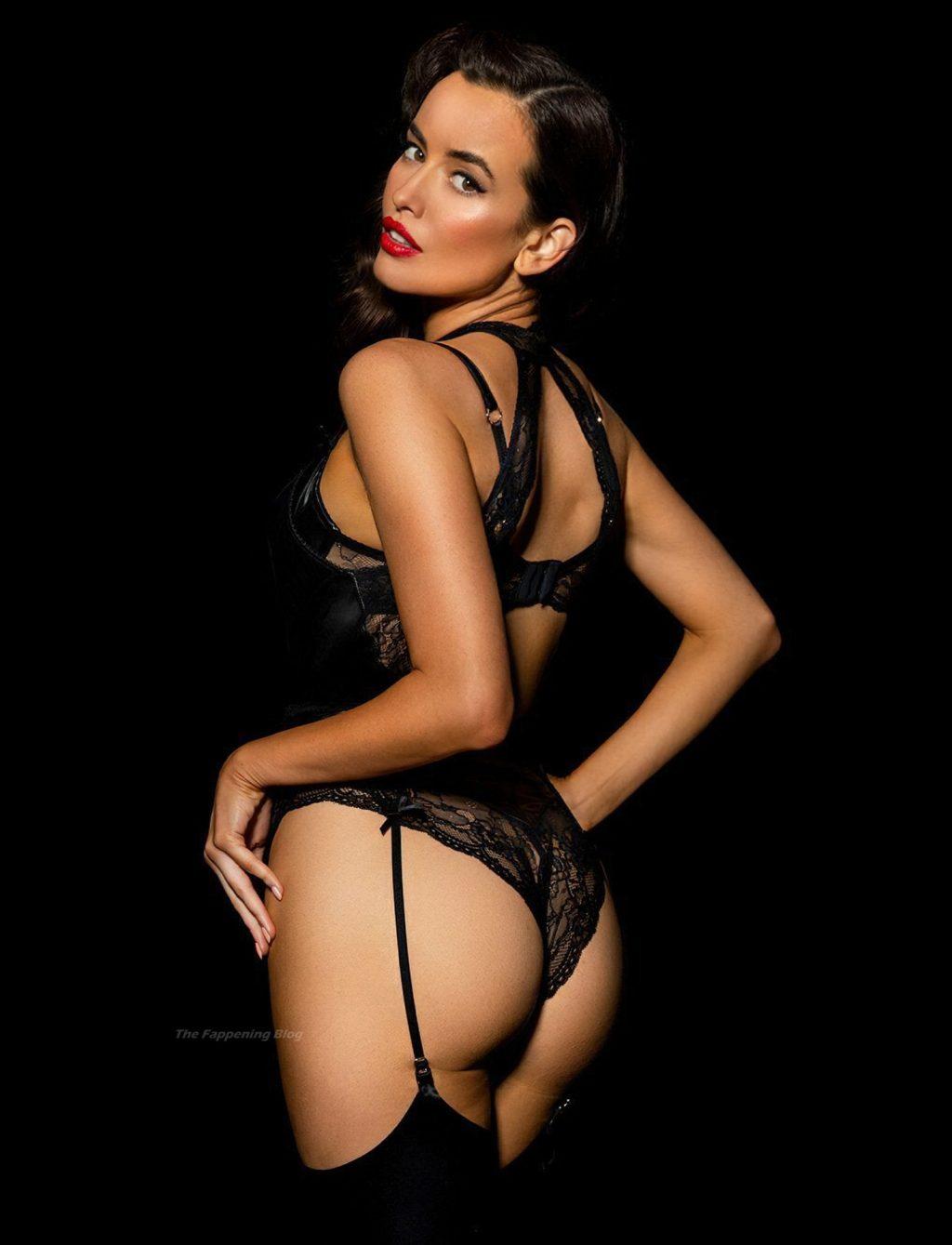 Sarah Stephens Sexy (29 Photos)