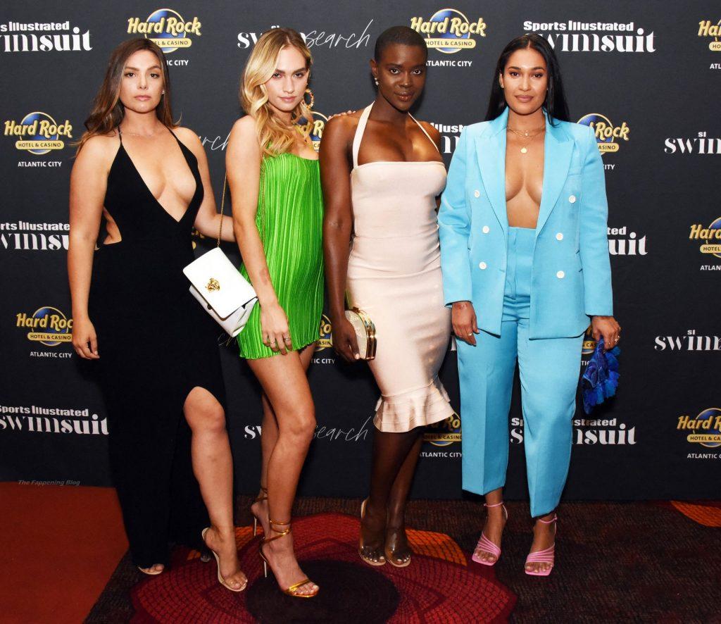 Sports Illustrated Swimsuit Models Charitable Blackjack Tournament (17 Photos)