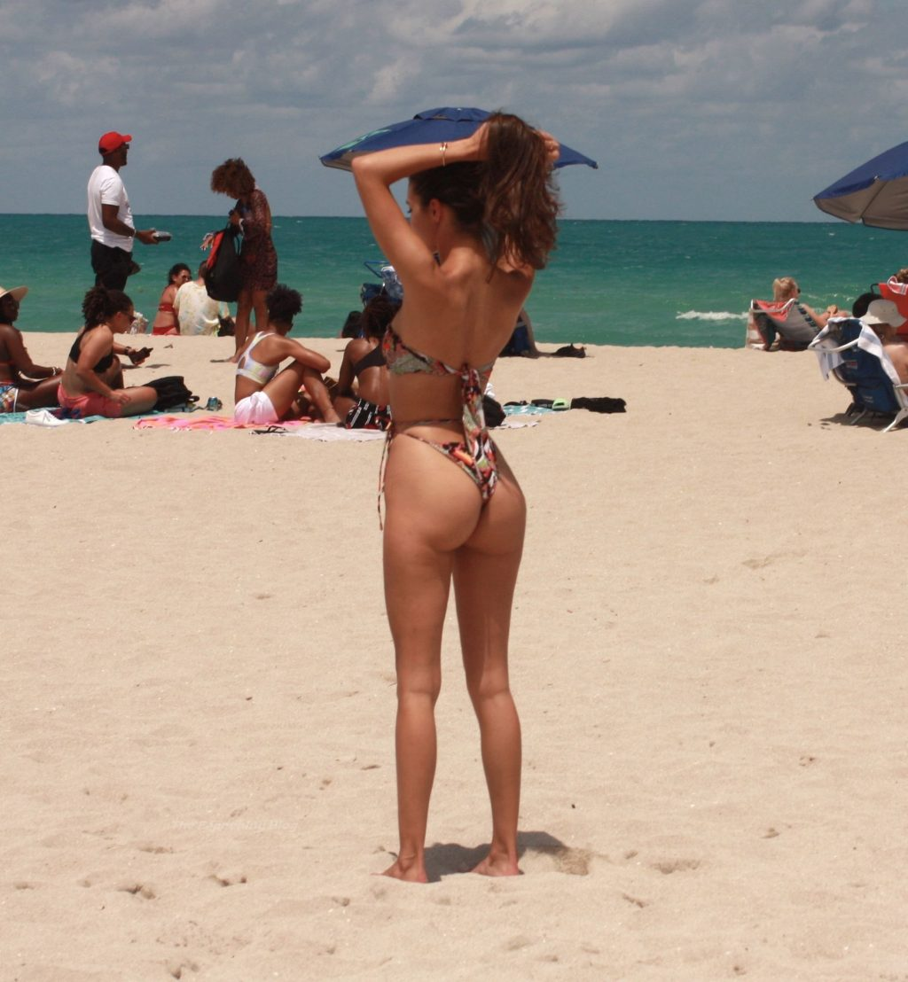 Tao Wickrath Enjoys a Hot Day at the Beach in Miami (11 Photos)