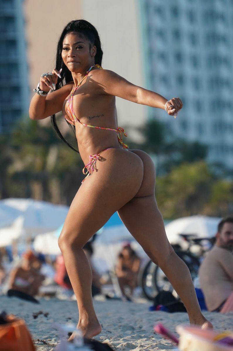 Tommie Lee is Seen in a Thong Bikini at The Beach (26 Photos)