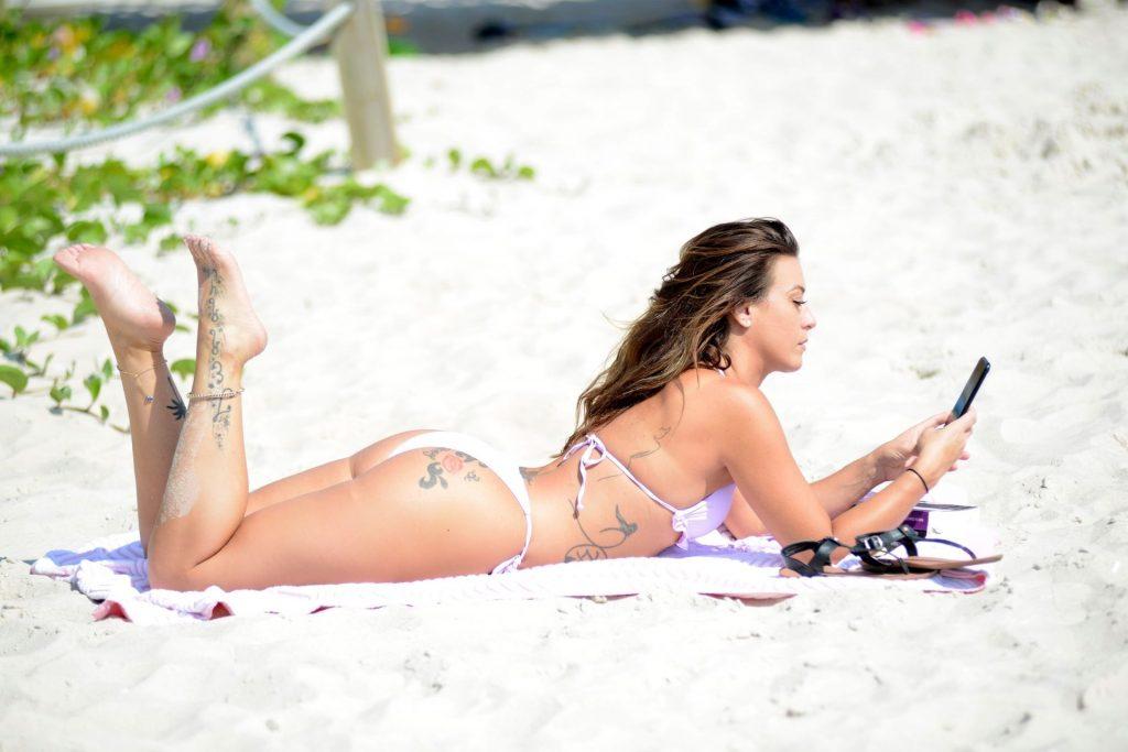 Victoria Banxx Takes Her Bikini Body to the Beach (18 Photos)