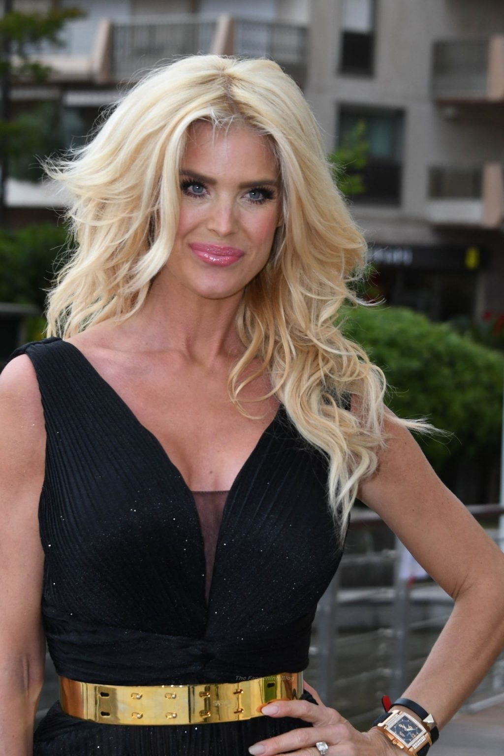 Victoria Silvstedt Shows Off Her Sexy Legs at the Amber Lounge (14 Photos)