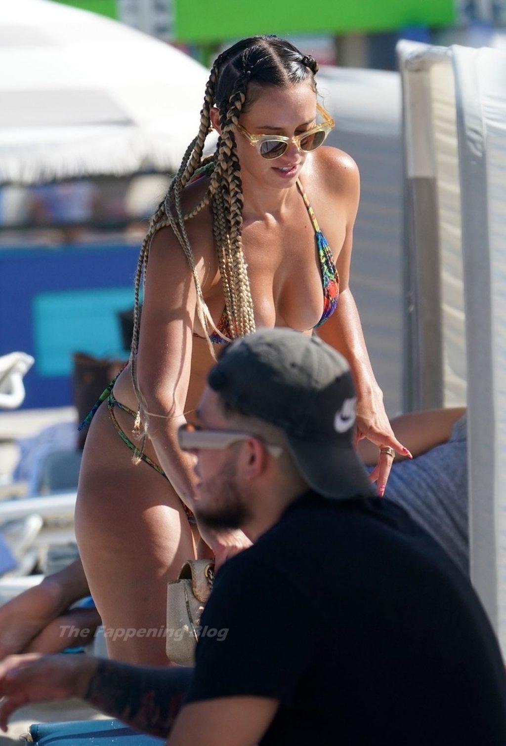 YesJulz is Seen in a Thong Bikini at the Beach in Miami (12 Photos)
