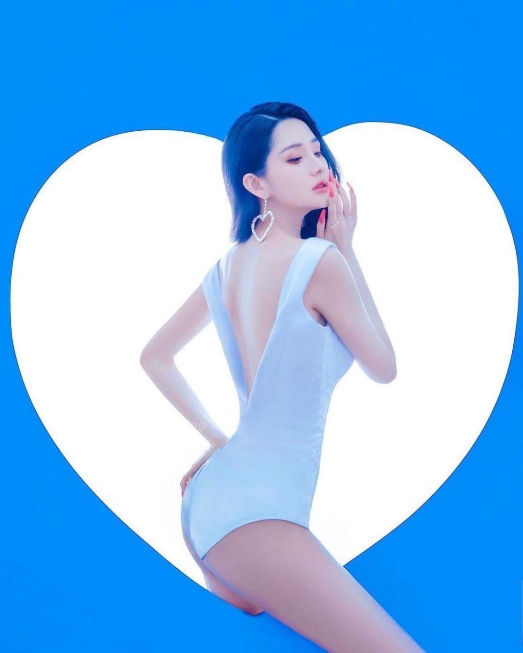 Leni Lan Nude & Sexy (23 Photos)