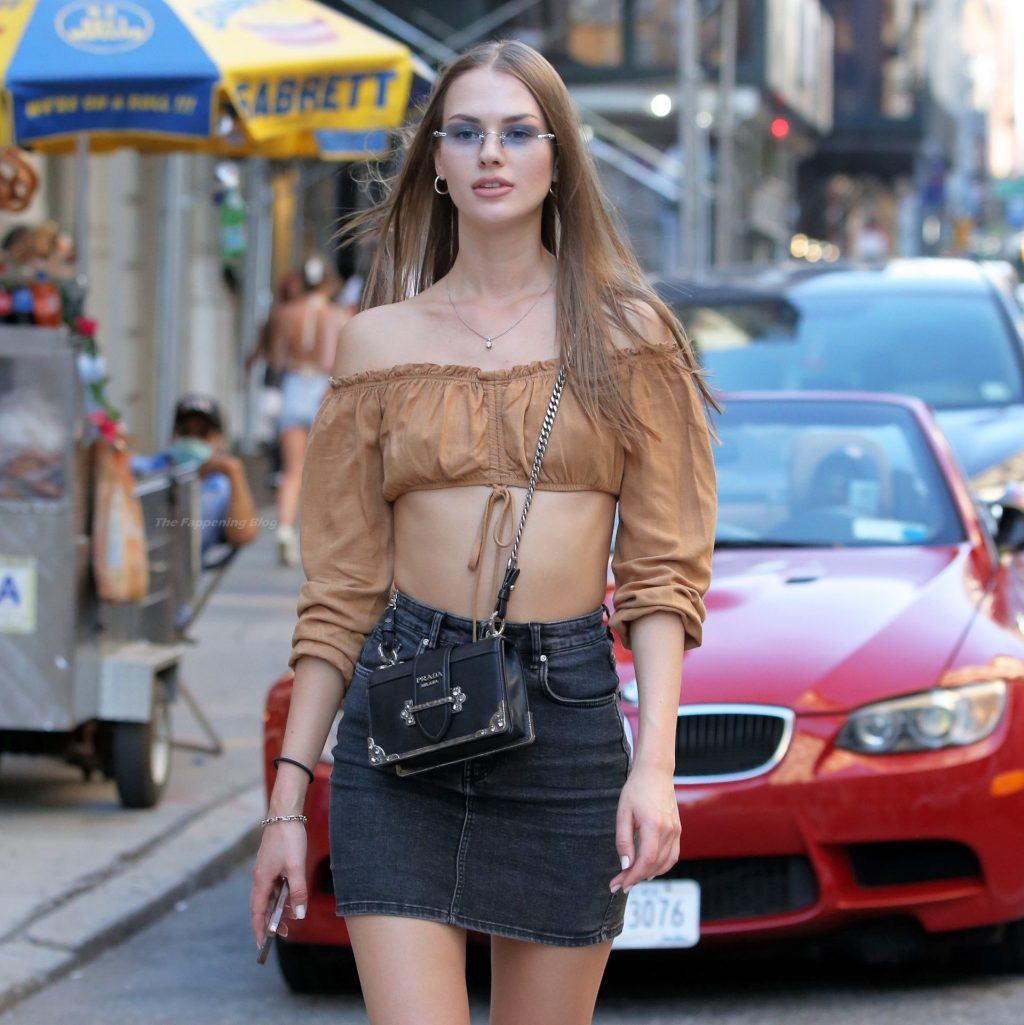 Alena Frolova Poses Up On Broadway in NYC (12 Photos)