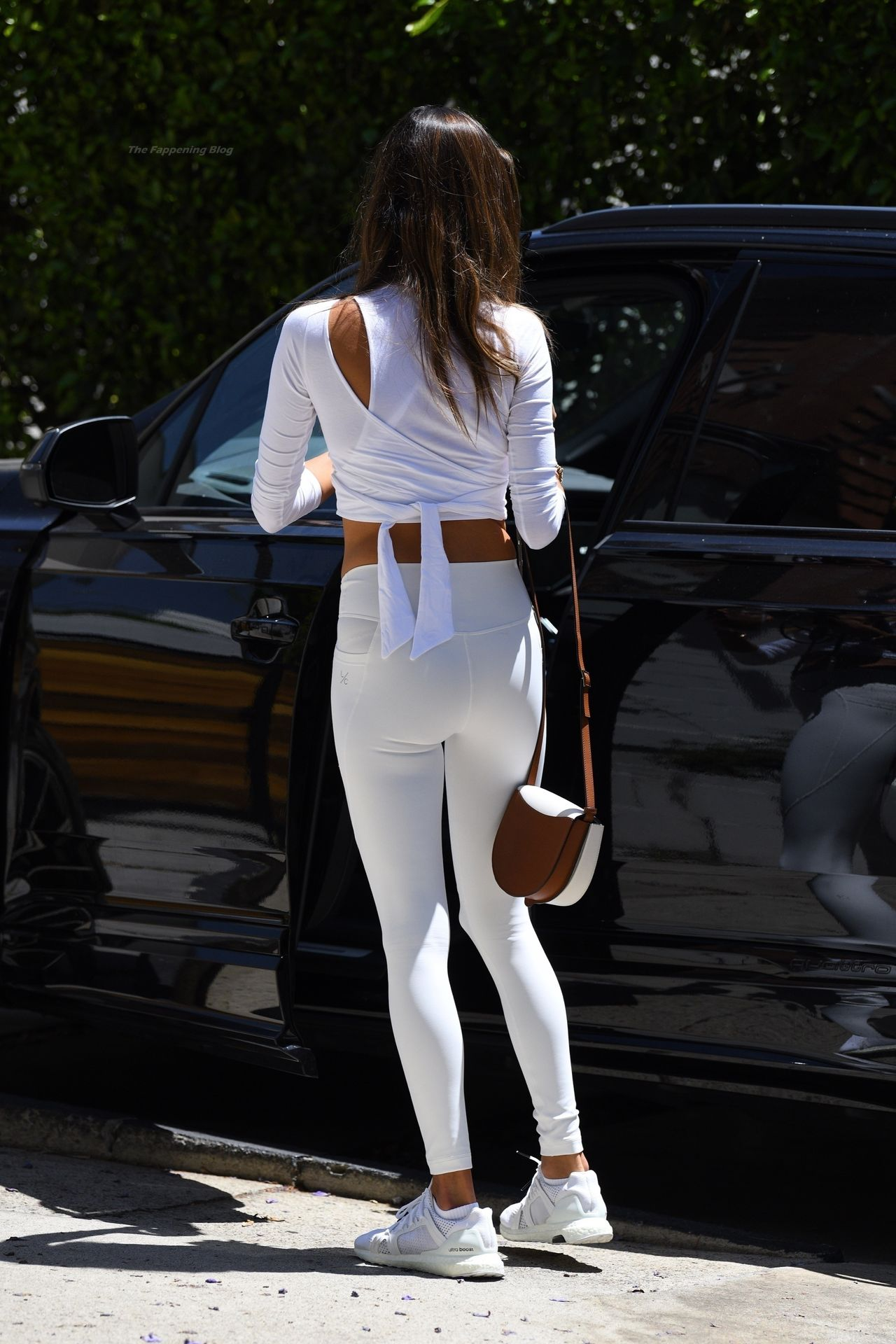 Alessandra-Ambrosio-Sexy-77-leakedmodels.com_.jpg