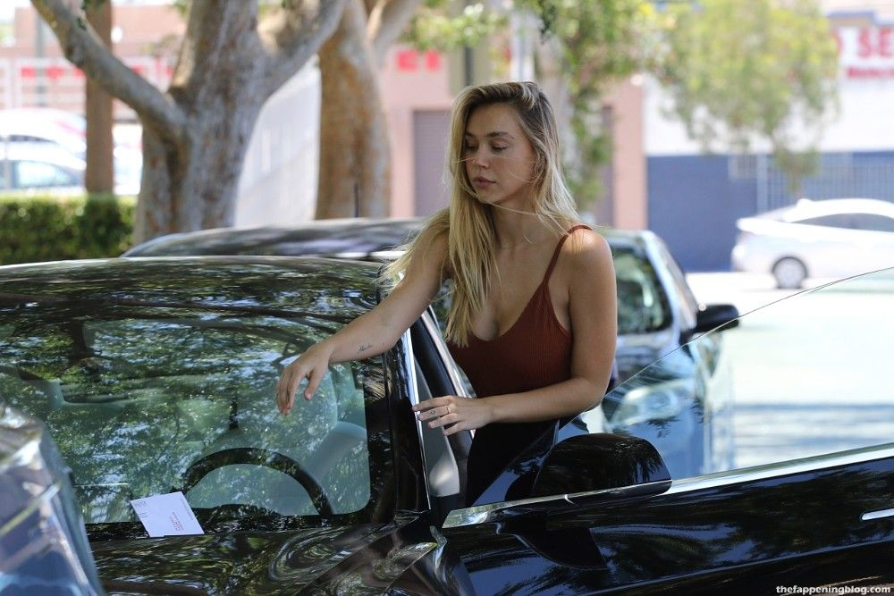Alexis Ren is Seen After Her Workout And Looks Sexy (51 Photos)