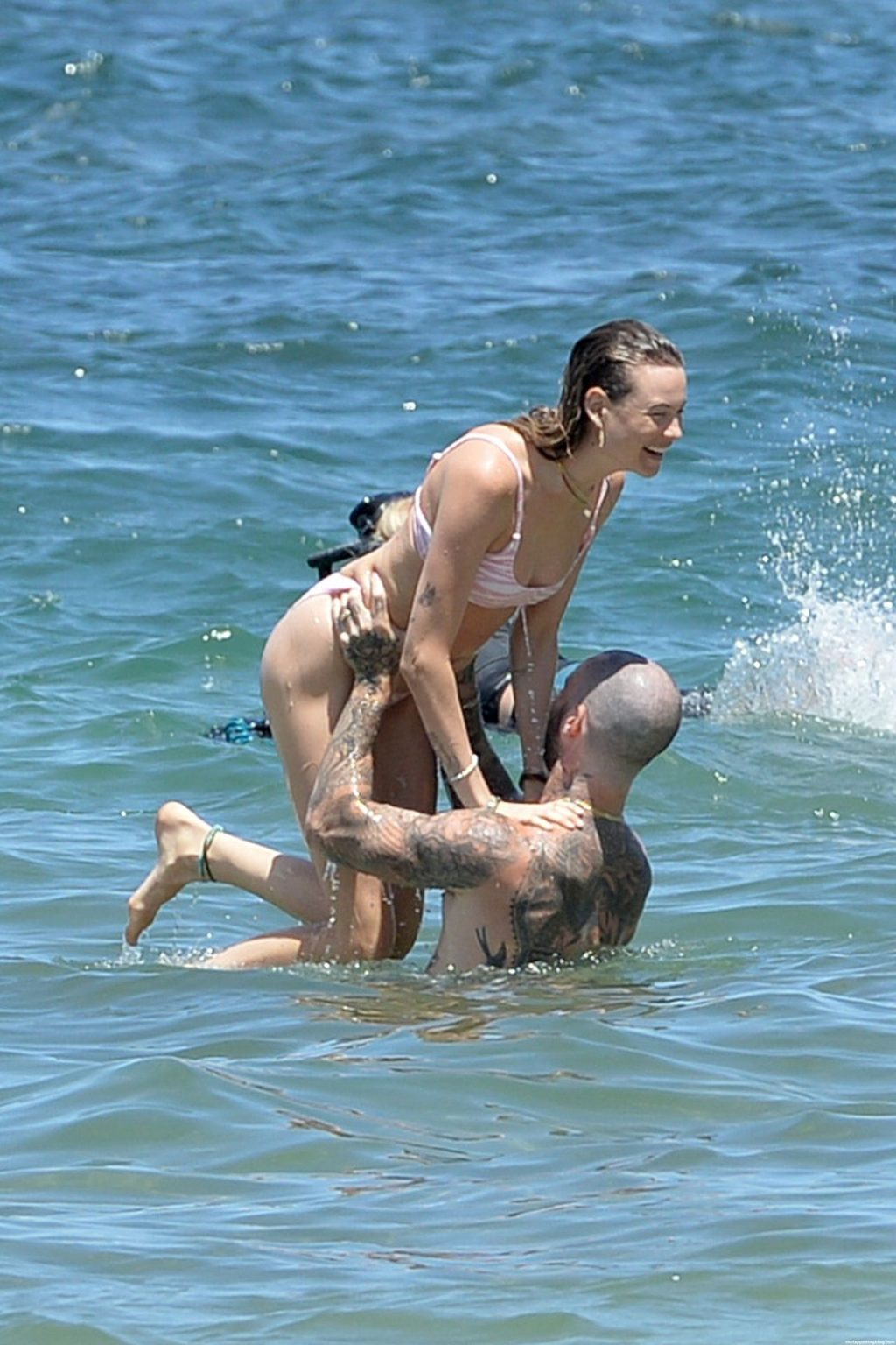 Behati Prinsloo & Adam Levine Are Having a Blast in Hawaii (13 Photos)