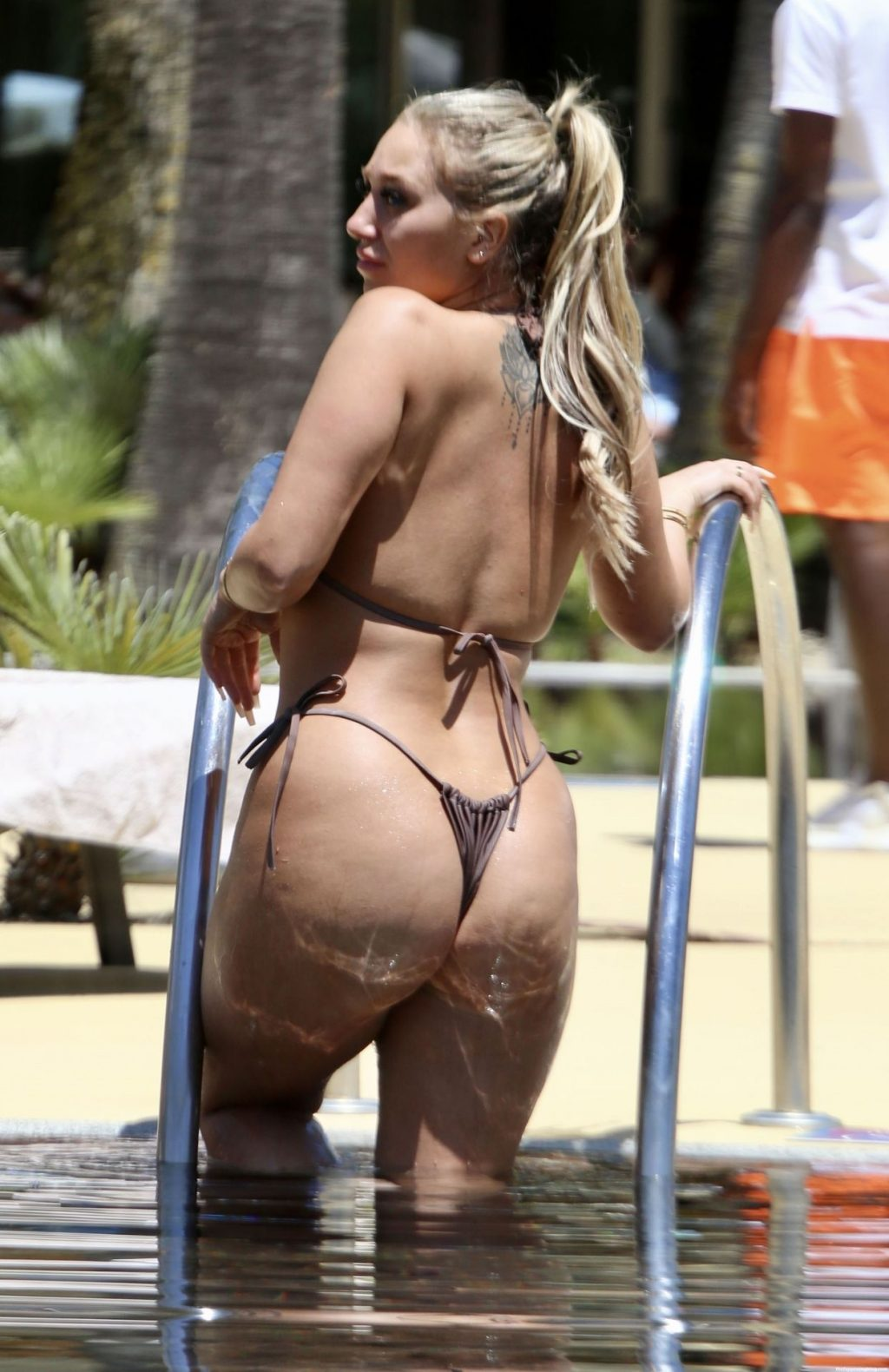 Bethan Kershaw Shows Off Her Voluptuous Sultry Figure in Her Brown Bikini on Holiday in Portugal (13 Photos)