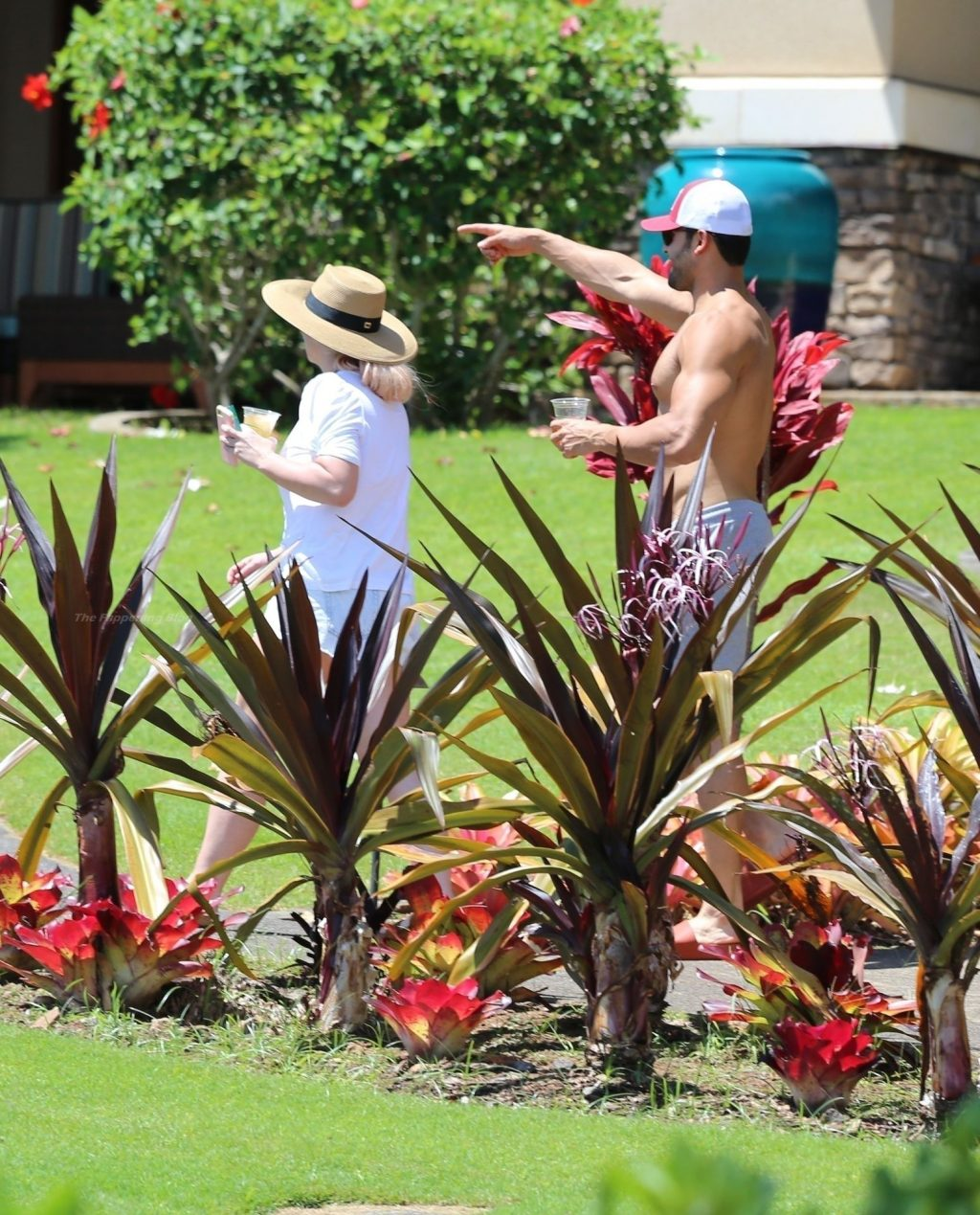 Britney Spears and Her Boyfriend Sam Asghari Escape to Maui After Britney's Explosive Hearing (31 Photos)