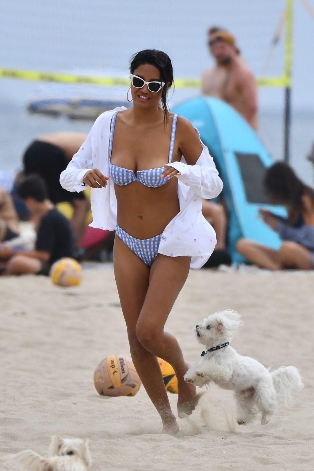 CJ Franco Enjoys a Day on The Beach in Santa Monica (30 Photos + Video)
