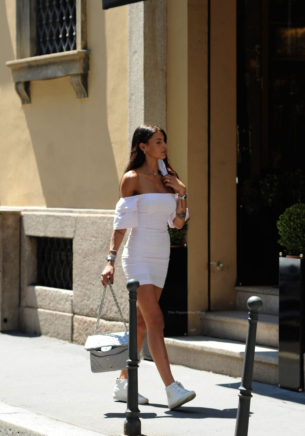 Carolina Stramare Turns a Few Heads as She Goes to Lunch in a Restaurant of Milan (38 Photos)