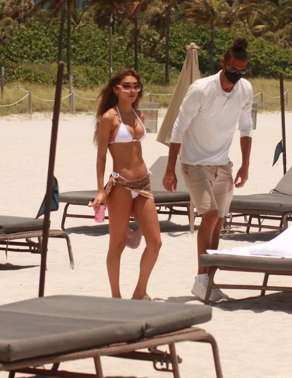 Chantel Jeffries Shows Off Her Curves on the Beach in Miami (42 Photos)