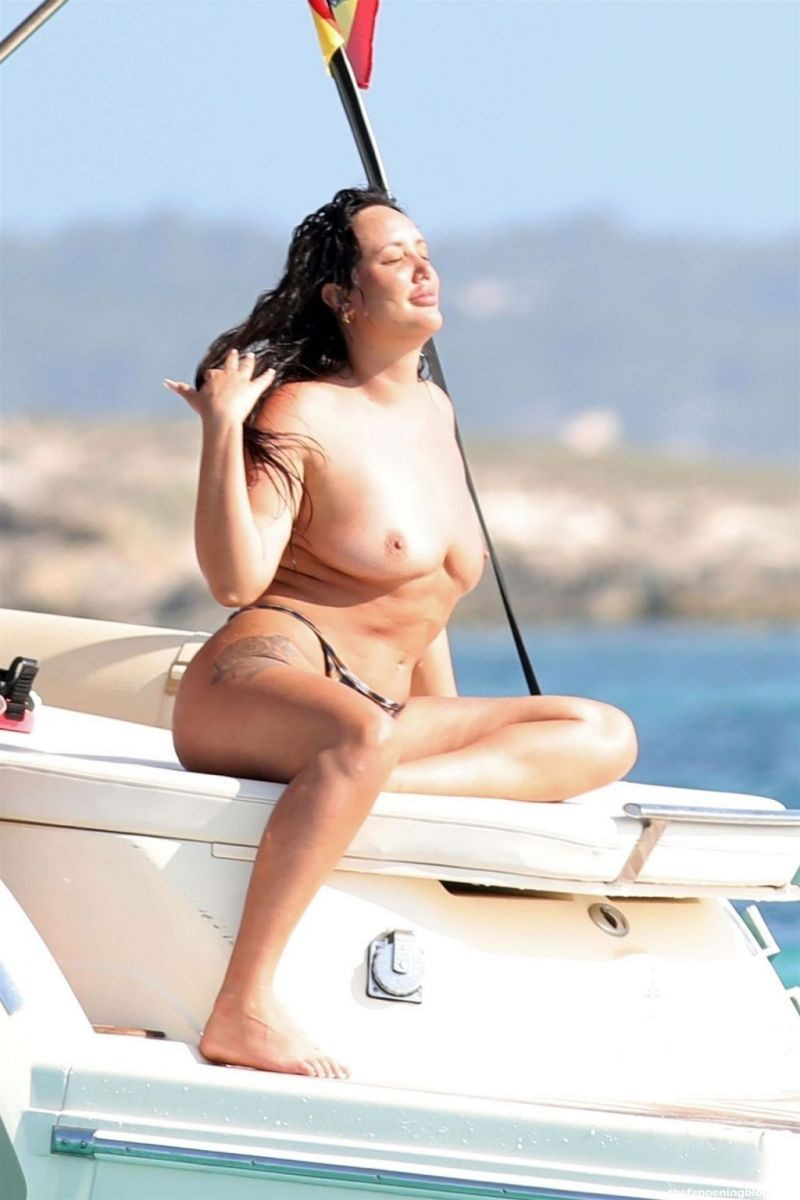 Charlotte Crosby Nude & Sexy Collection (172 Photos) [Updated]