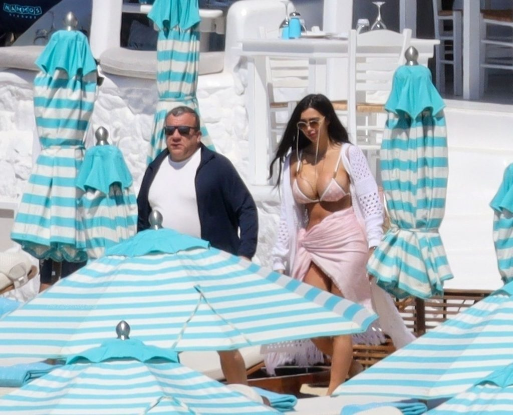 Chloe Khan Puts on a Busty Display in a Tiny Pink Bikini on Holiday in Mykonos (40 Photos)
