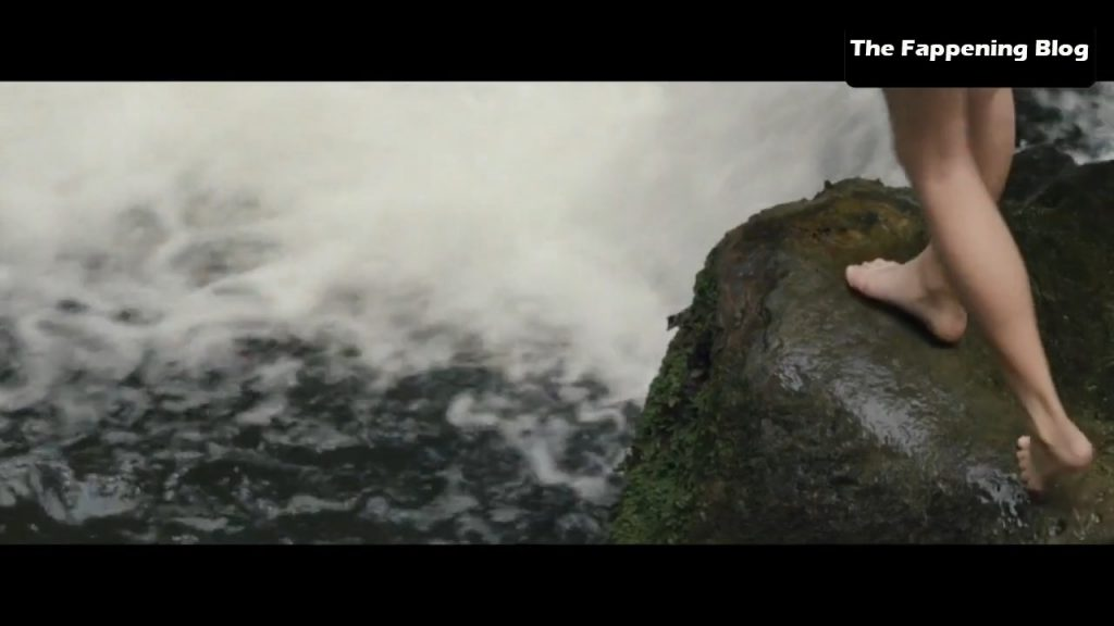 Emma Watson Sexy Collection – Part 2 (35 Pics + Videos)