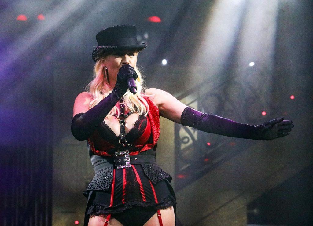 Denise Van Outen Performs in Cabaret Allstars (42 Photos)