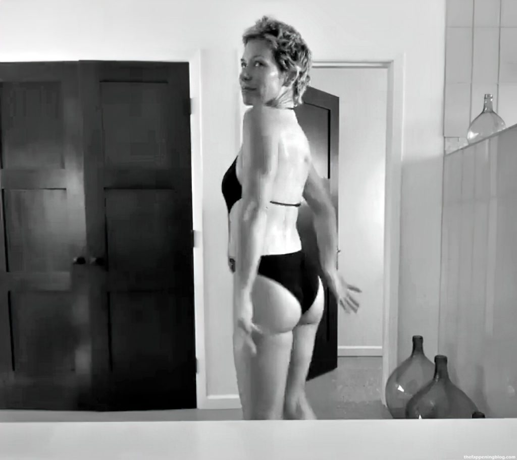 Evangeline Lilly Looks Sexy in a Swimsuit (25 Pics + GIF & Video)