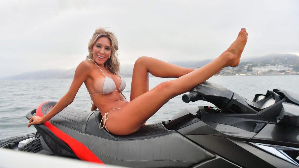 Farrah Abraham Celebrates Her 30th Birthday On a Yacht in Malibu (25 Photos)