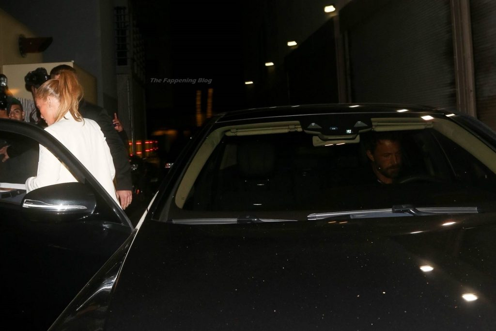 Jennifer Lopez & Ben Affleck Get Bombarded by a Flash Frenzy Arriving for a Dinner Date in Beverly Hills (19 Photos)