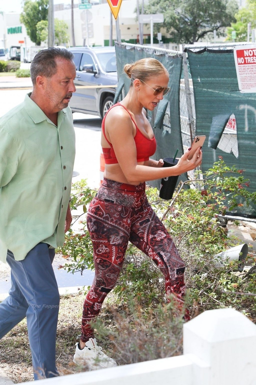 Jennifer Lopez Hits the Gym Showing Her Tits and Butt (57 Photos)