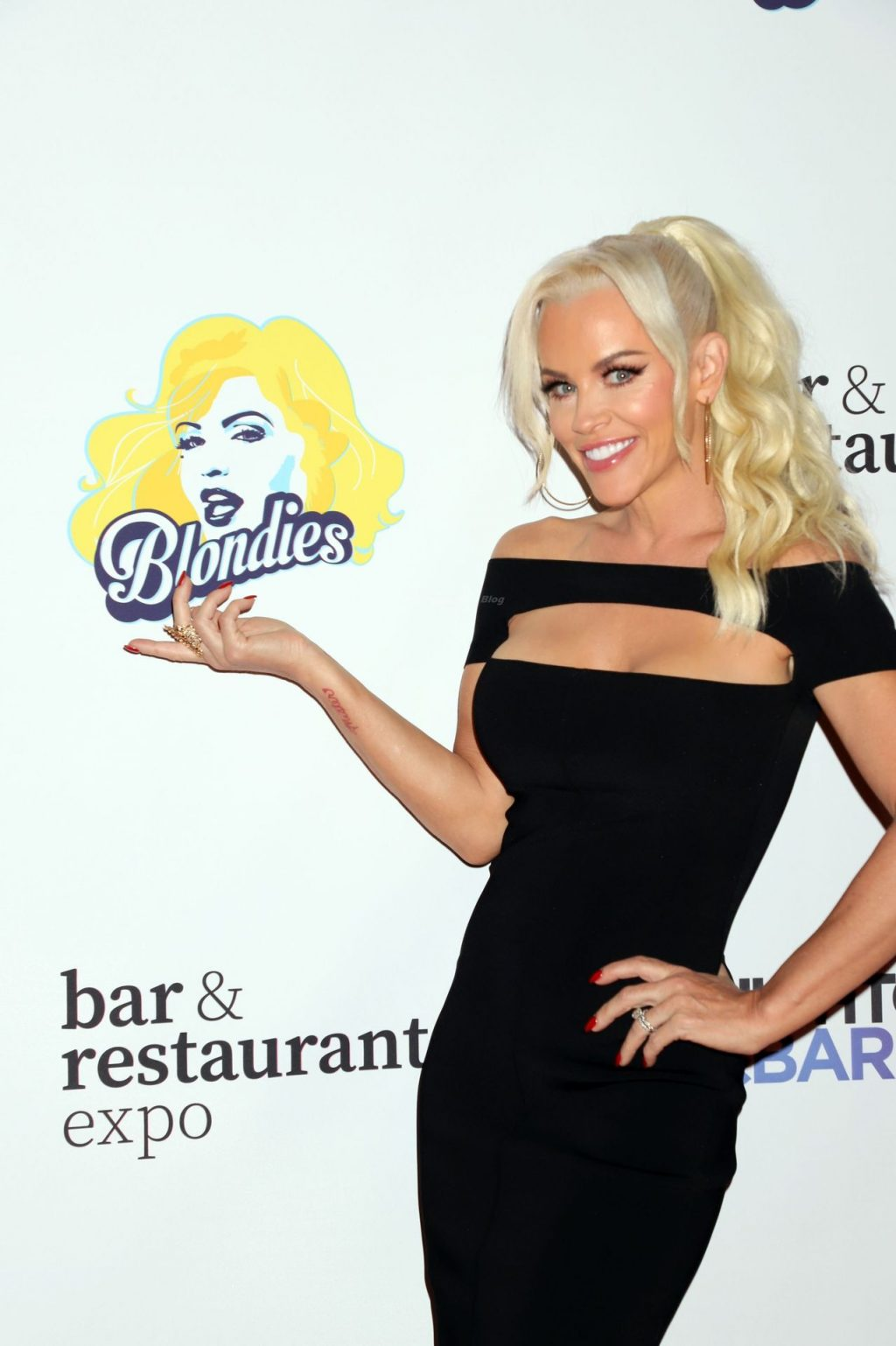 Jenny McCarthy Looks Stunning at the 35th Annual Nightclub & Bar Show and World Tea Expo in Las Vegas (45 Photos)