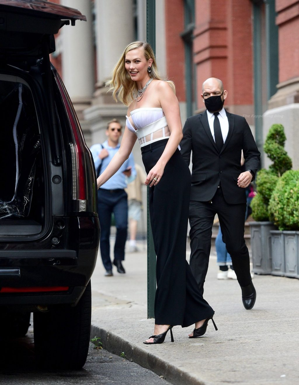 Karlie Kloss Looks Fashionable as She Steps Out in NYC (56 Photos)