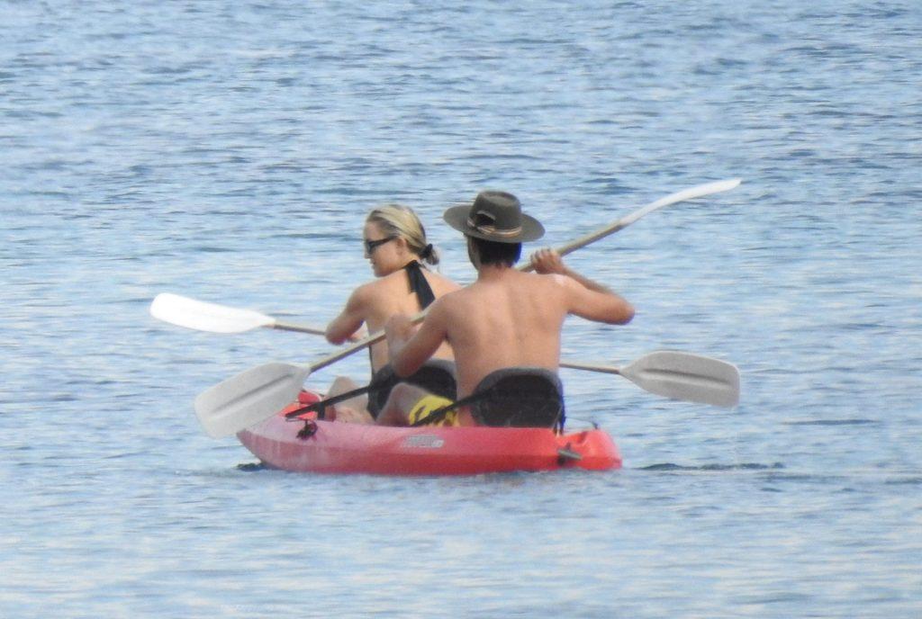 Kate Hudson Kisses Boyfriend Danny Fujikawa On The Beach In Greece (56 Photos)