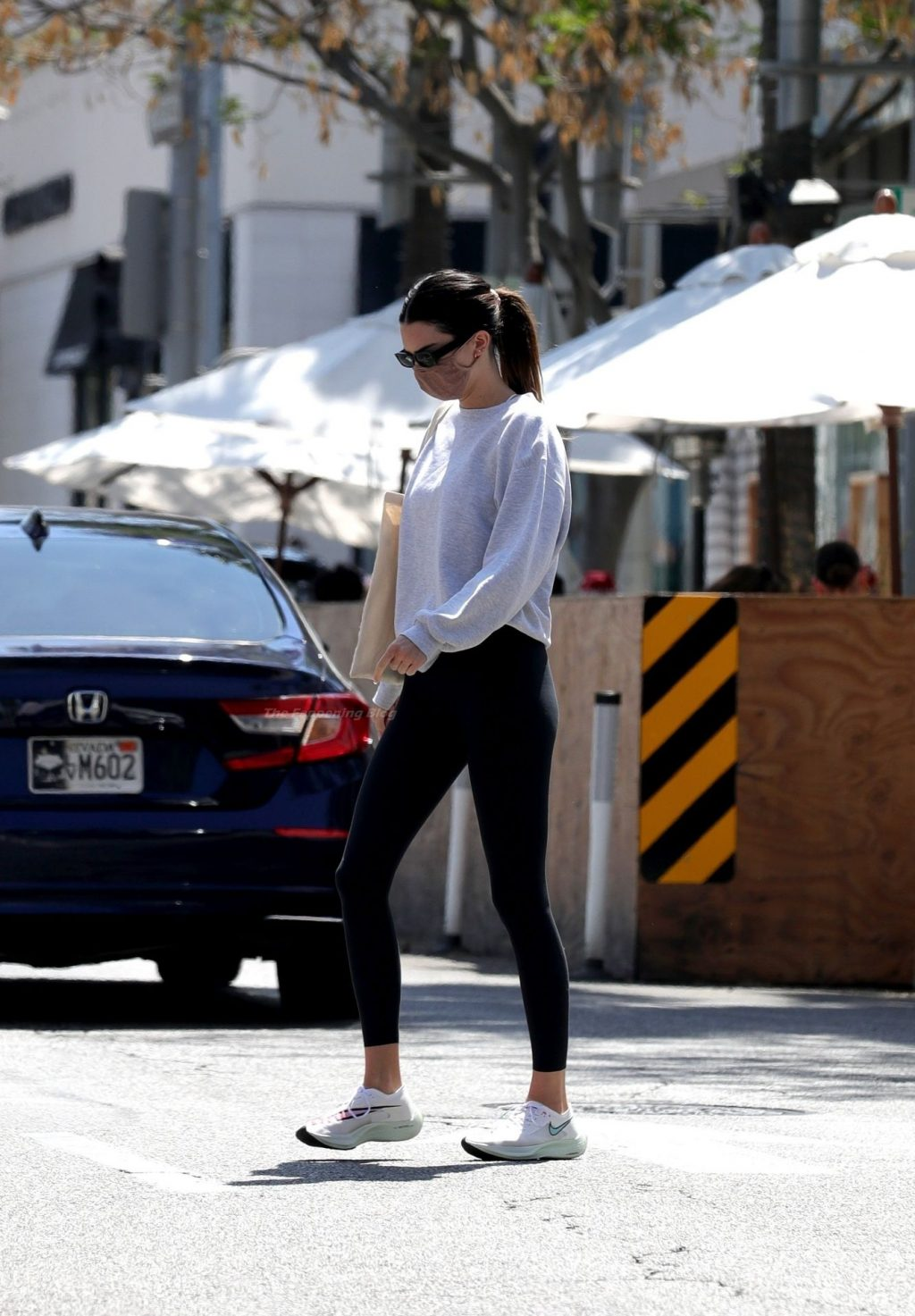 Kendall Jenner Steps Out For Lunch After Getting Her Workout Done (32 Photos)