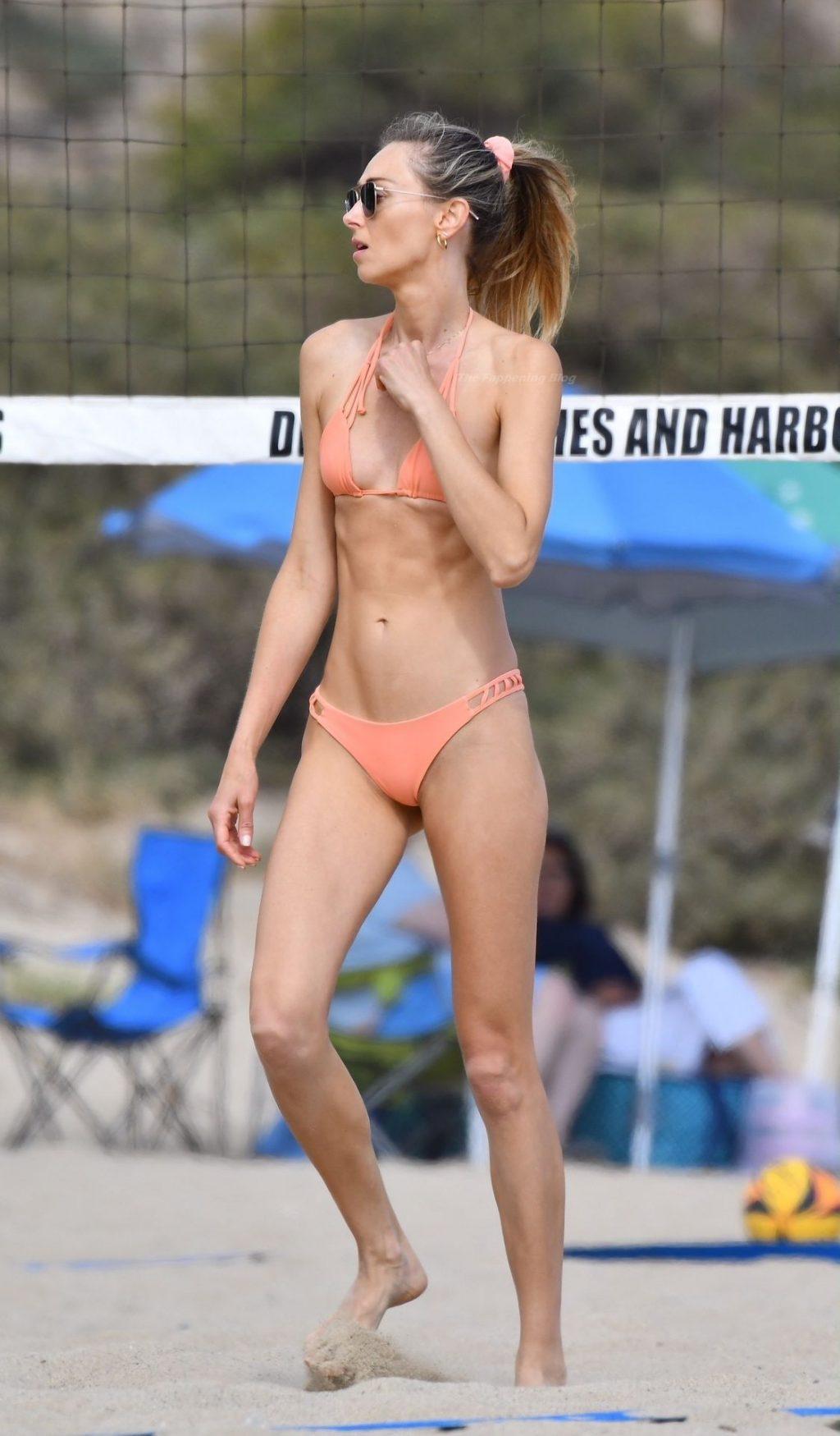 Ludi Delfino Displays Her Amazing Bikini Body in Santa Monica (39 Photos)