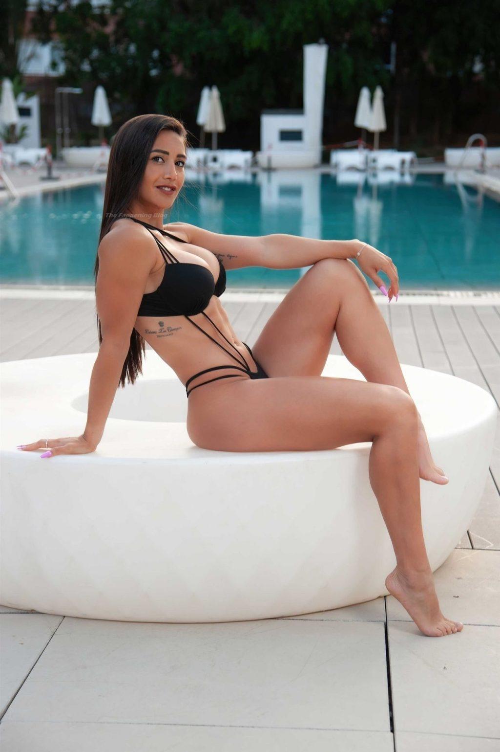 Majooh Barbeito Shows Off Her Amazing Toned Body (24 Photos)