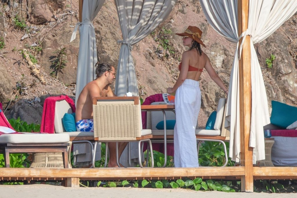 Margot Robbie Shares Some Steamy PDA with Husband Tom Ackerly in Puerto Vallarta (40 Photos)