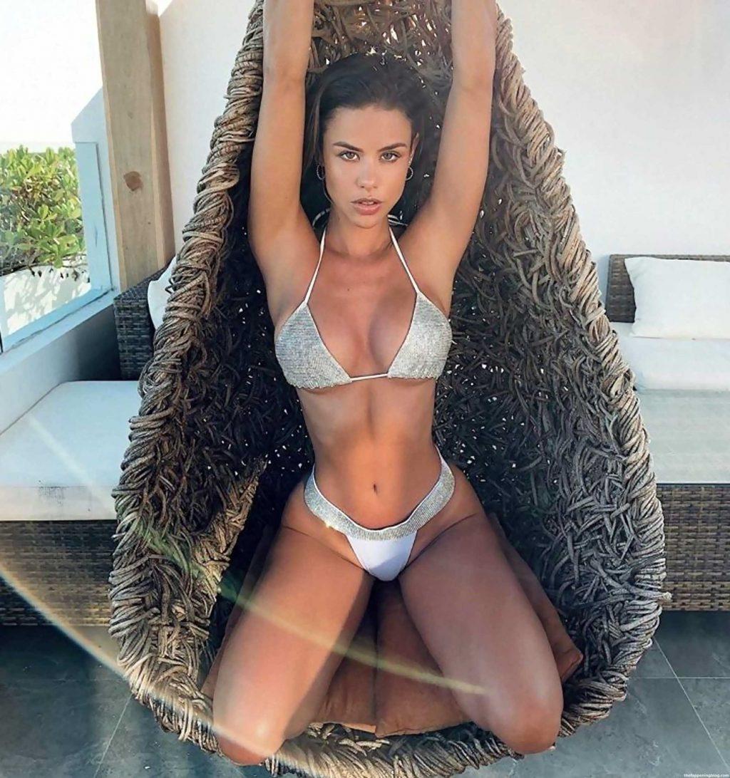 María Del Mar Cuello Molar Nude & Sexy (23 Photos)