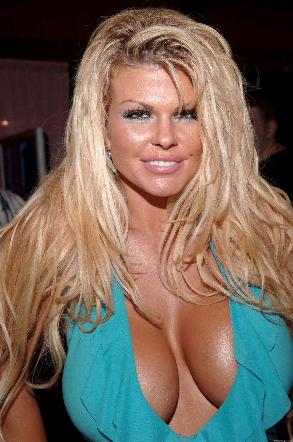 Sophia Rossi Nude & Sexy (21 Photos)
