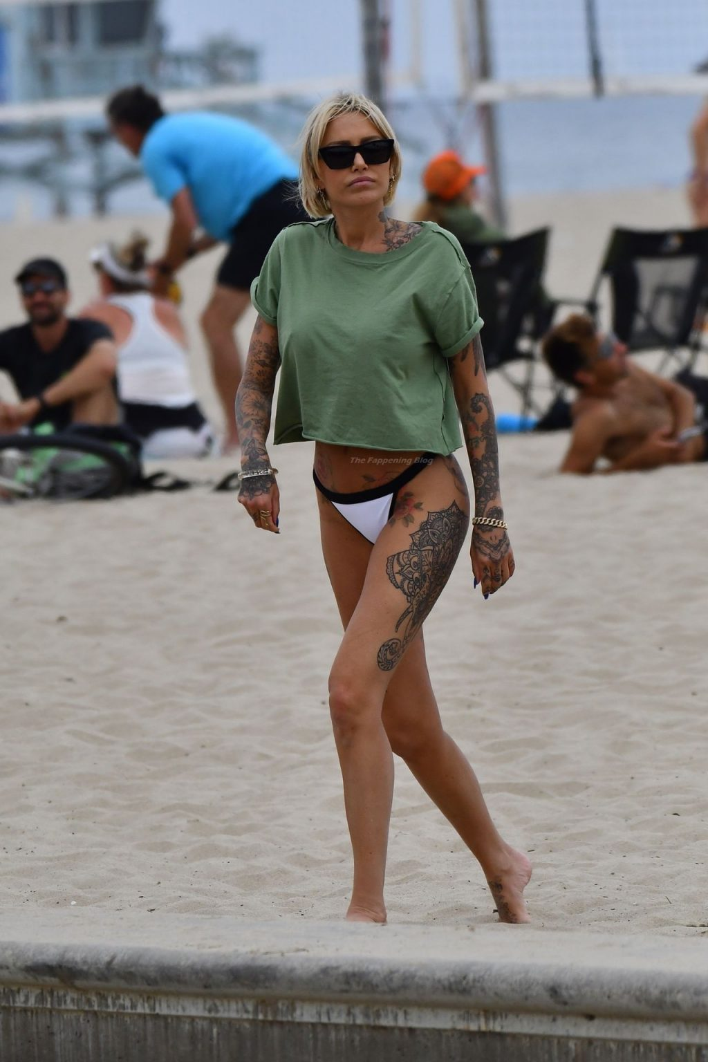 Tina Louise is Seen on the Beach with Her Boyfriend and Friends (164 Photos)
