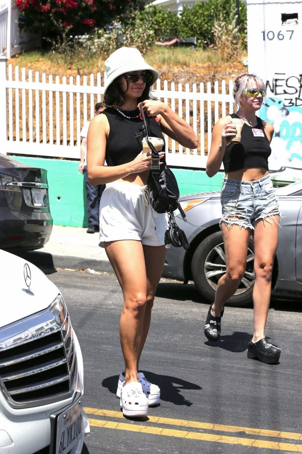 Vanessa Hudgens Goes to the Farmers Market with GG Magree (32 Photos)