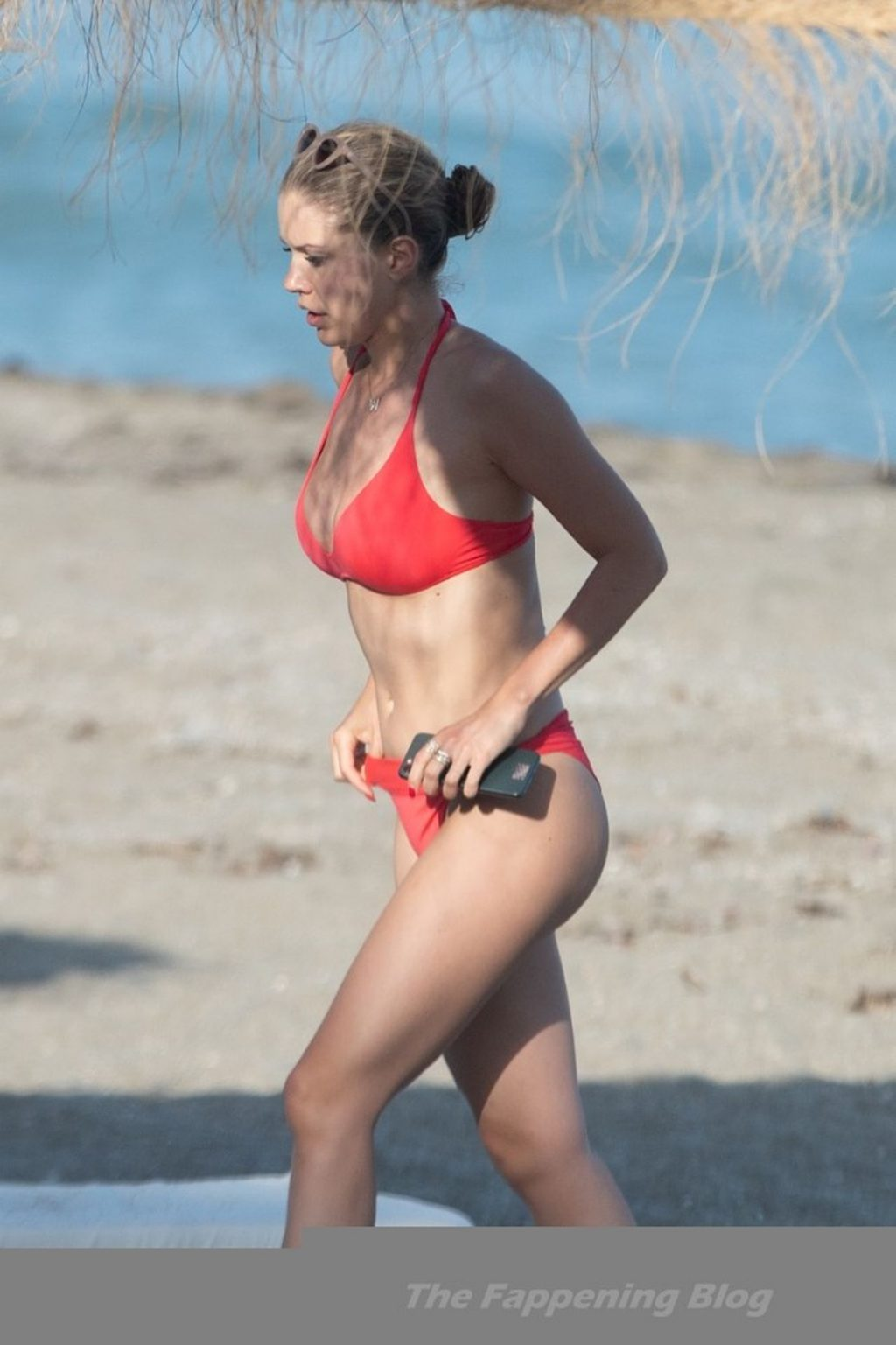 Victoria Swarovski Enjoys a Swim on the Beaches of Marbella (34 Photos)