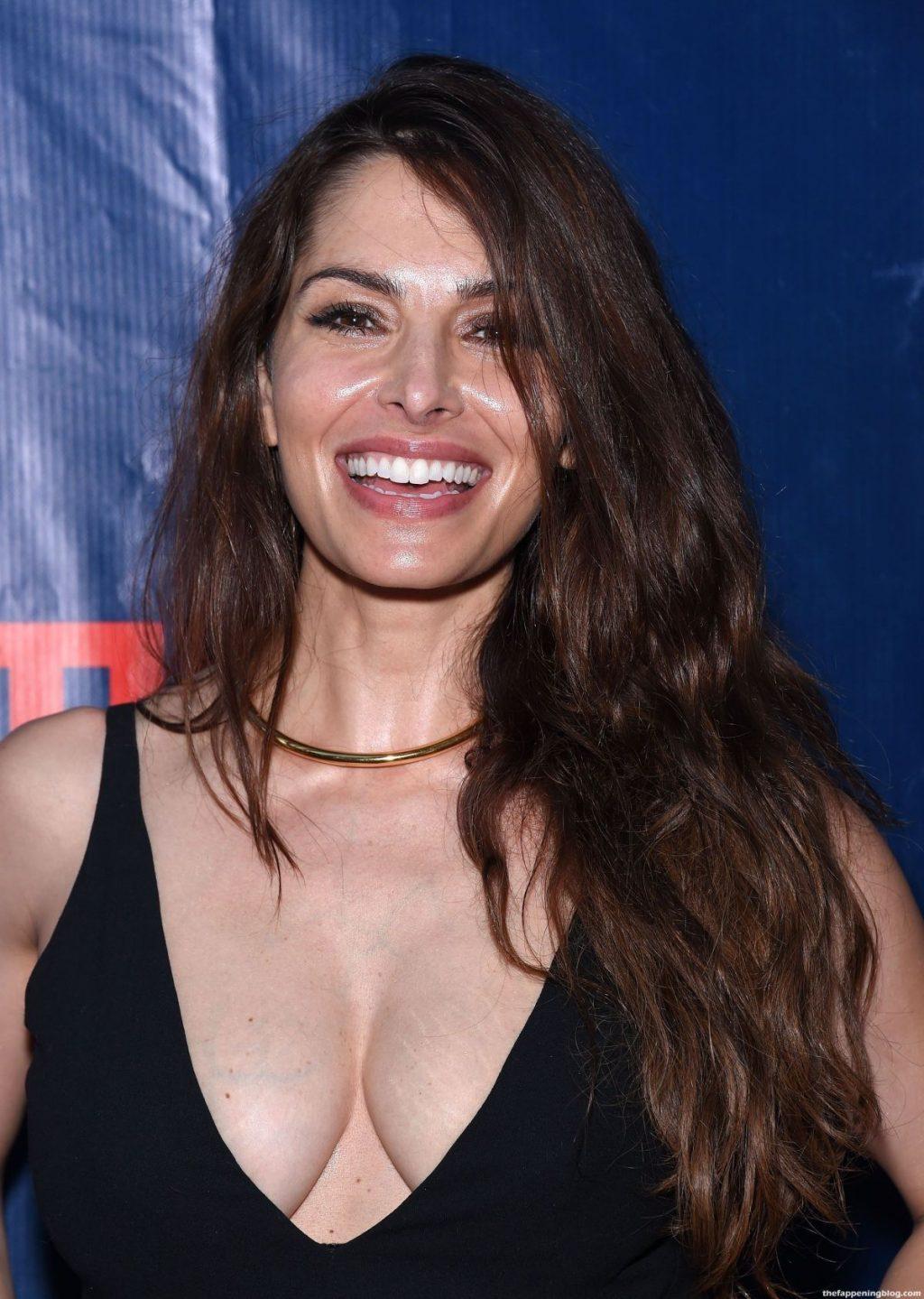 Sarah Shahi Nude & Sexy – Part 2 (78 Photos + Sex Video Scenes)