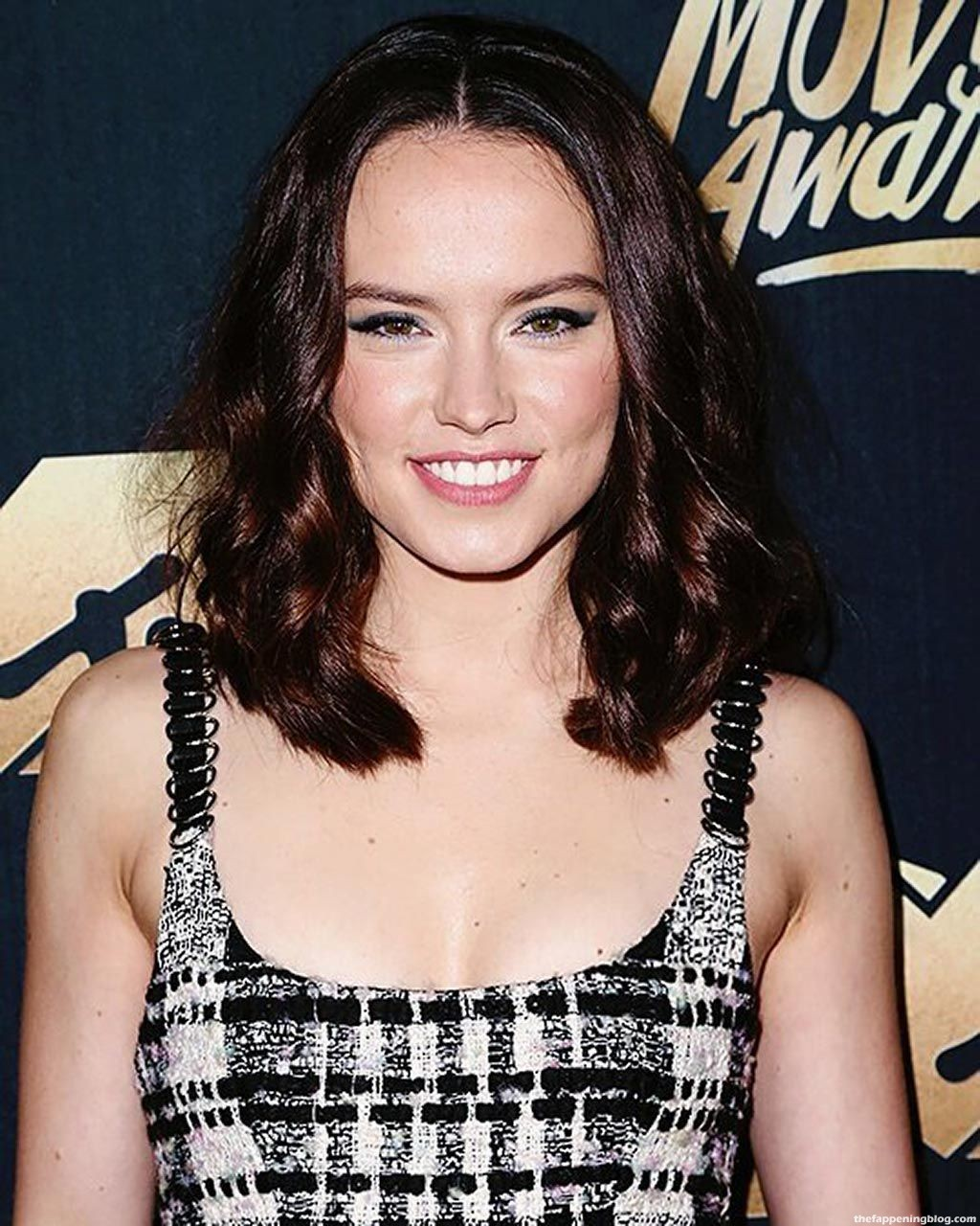 Daisy Ridley Nude & Sexy (128 Photos + Possible LEAKED Porn & Topless Scenes)