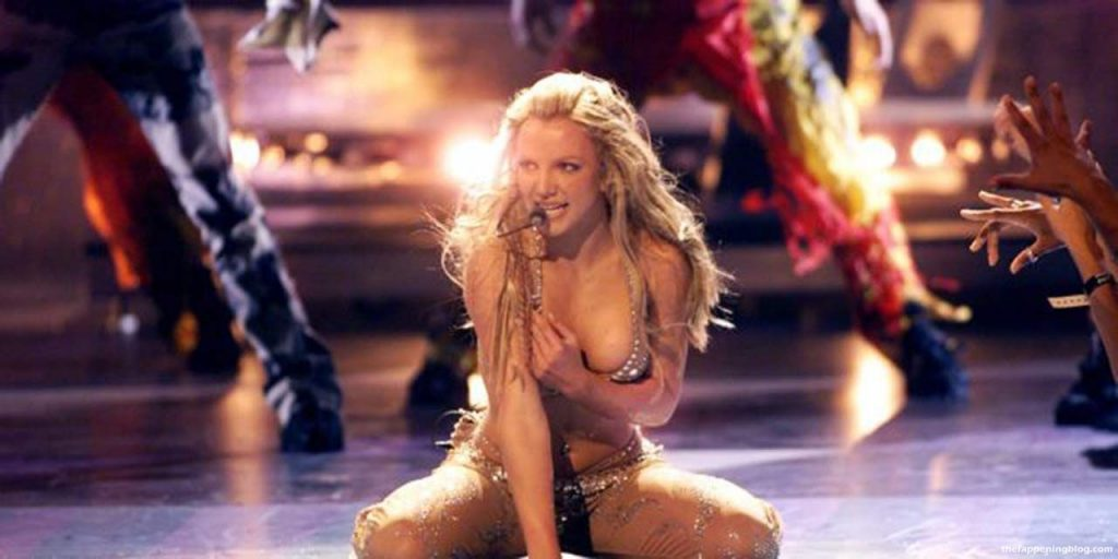 Britney Spears Nude & Sexy Collection (156 Photos + Videos)