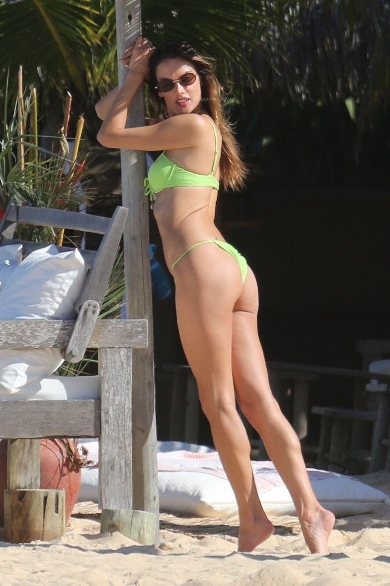 Alessandra-Ambrosio-Sexy-The-Fappening-Blog-1011.jpg