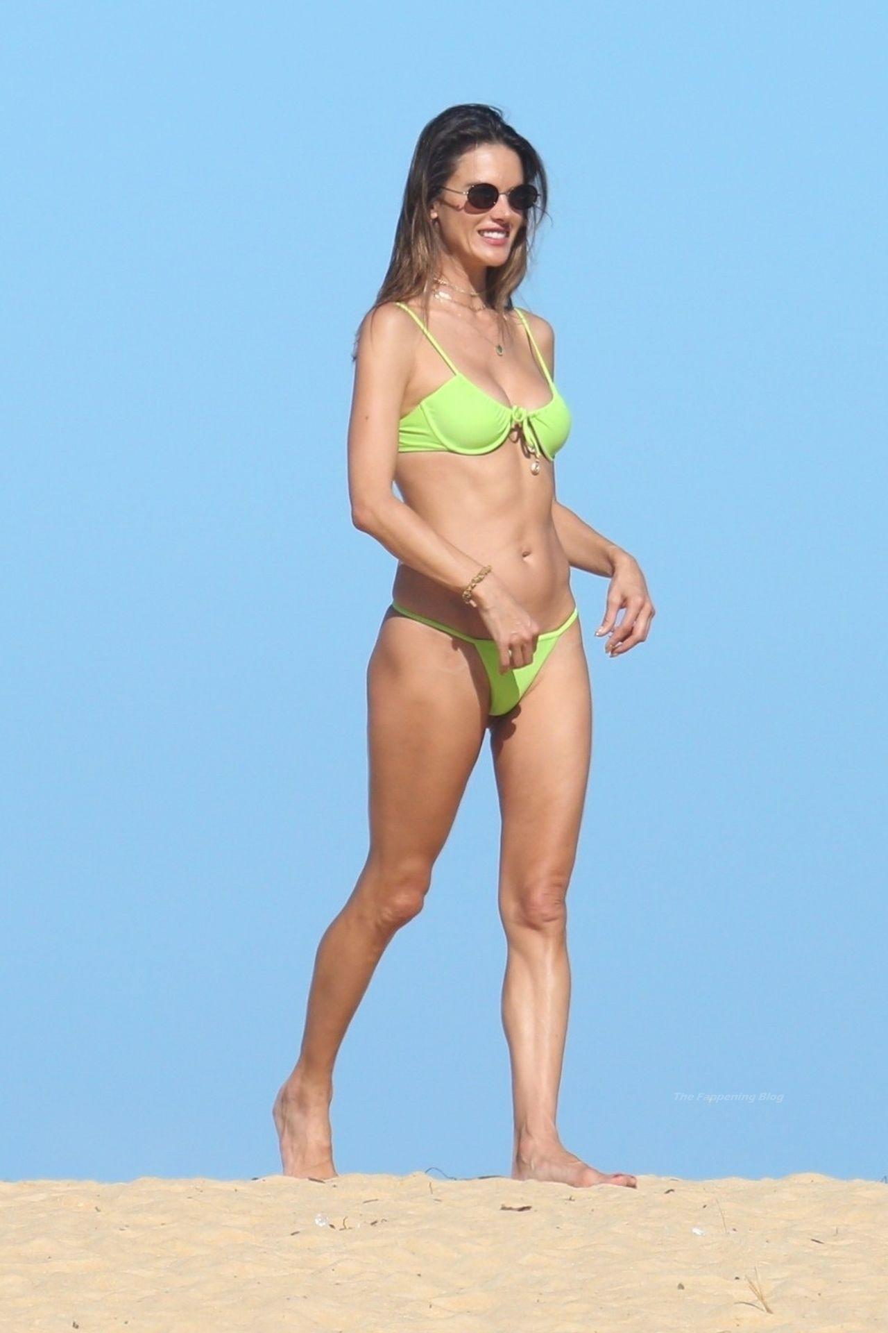 Alessandra-Ambrosio-Sexy-The-Fappening-Blog-111.jpg
