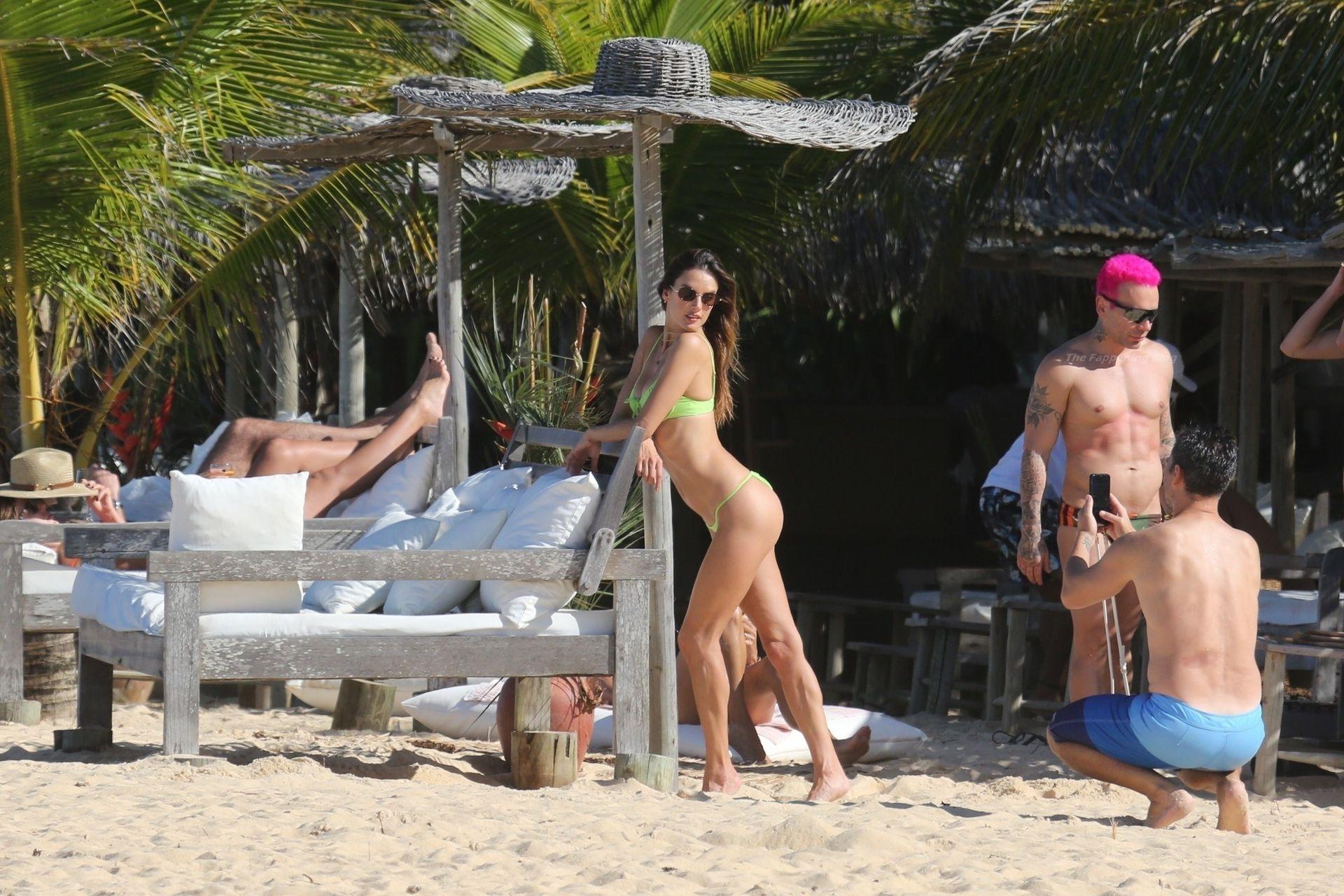 Alessandra-Ambrosio-Sexy-The-Fappening-Blog-211.jpg