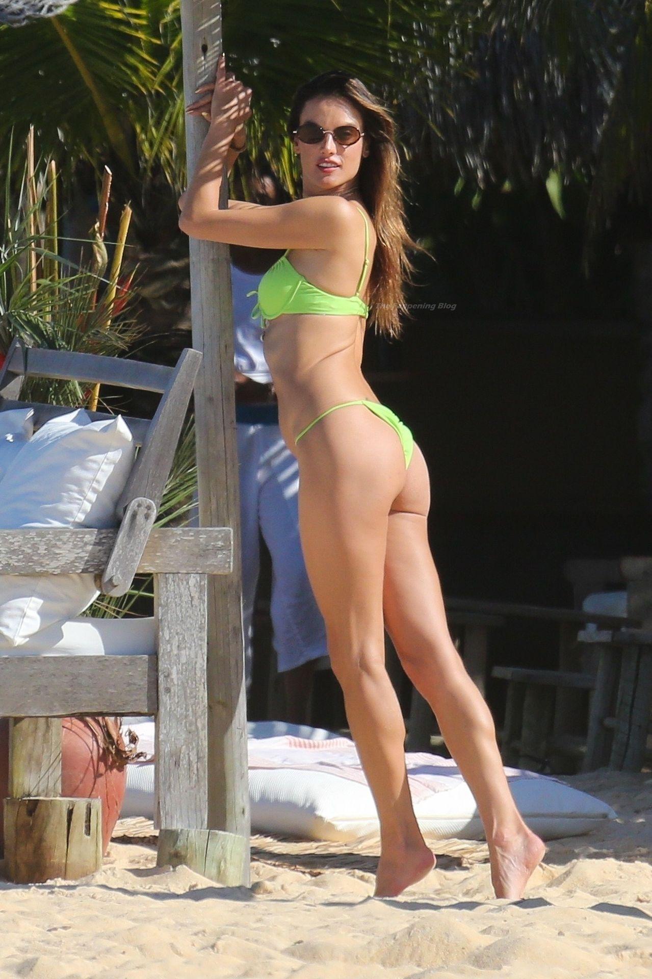 Alessandra-Ambrosio-Sexy-The-Fappening-Blog-241.jpg