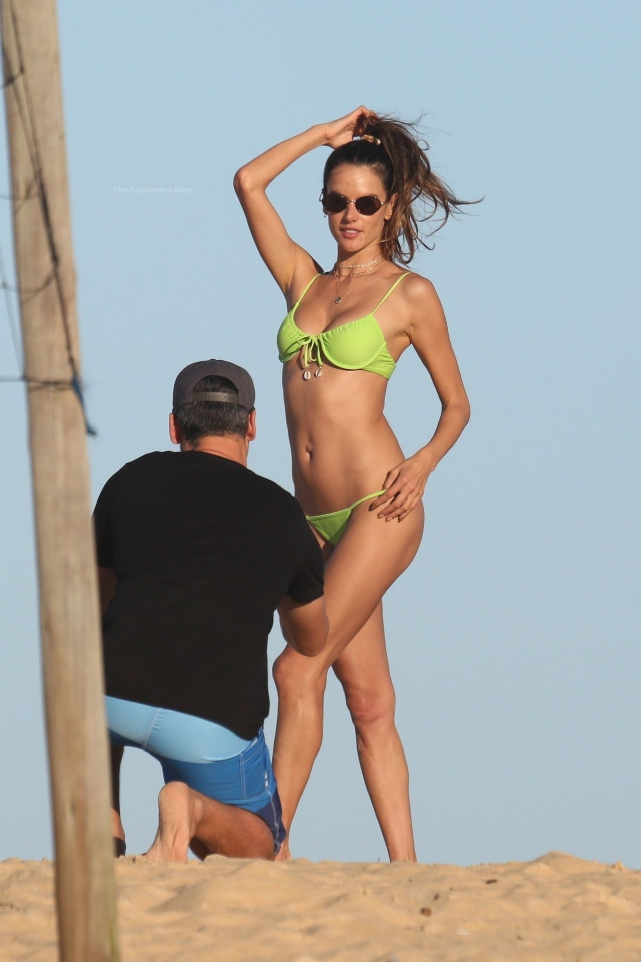 Alessandra-Ambrosio-Sexy-The-Fappening-Blog-531.jpg