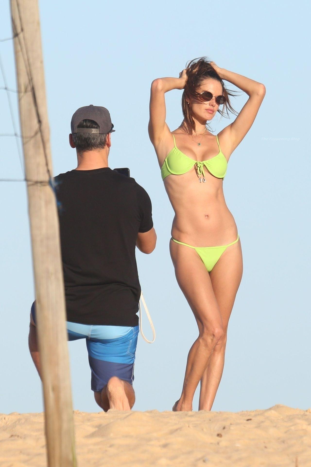 Alessandra-Ambrosio-Sexy-The-Fappening-Blog-591.jpg