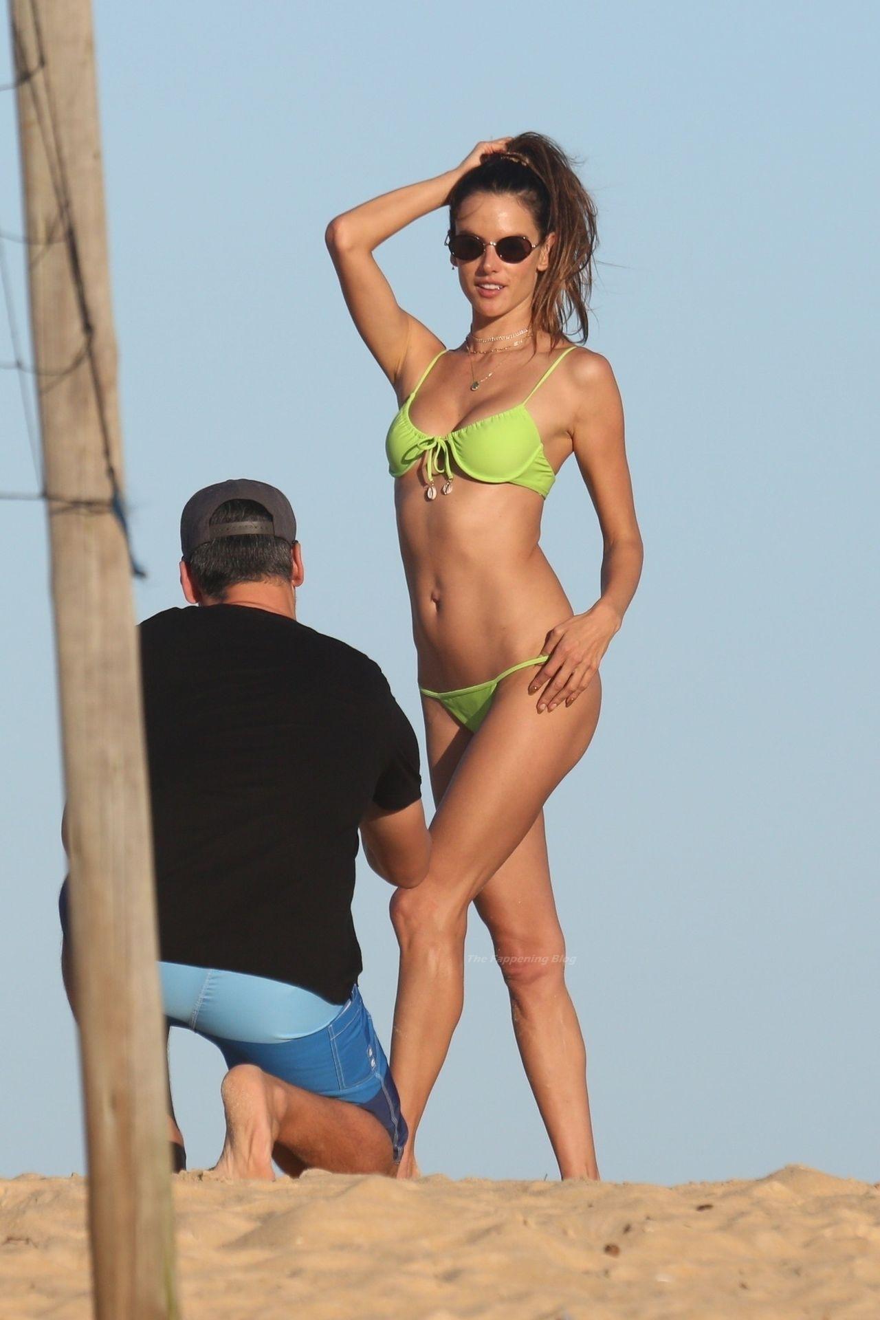 Alessandra-Ambrosio-Sexy-The-Fappening-Blog-781.jpg