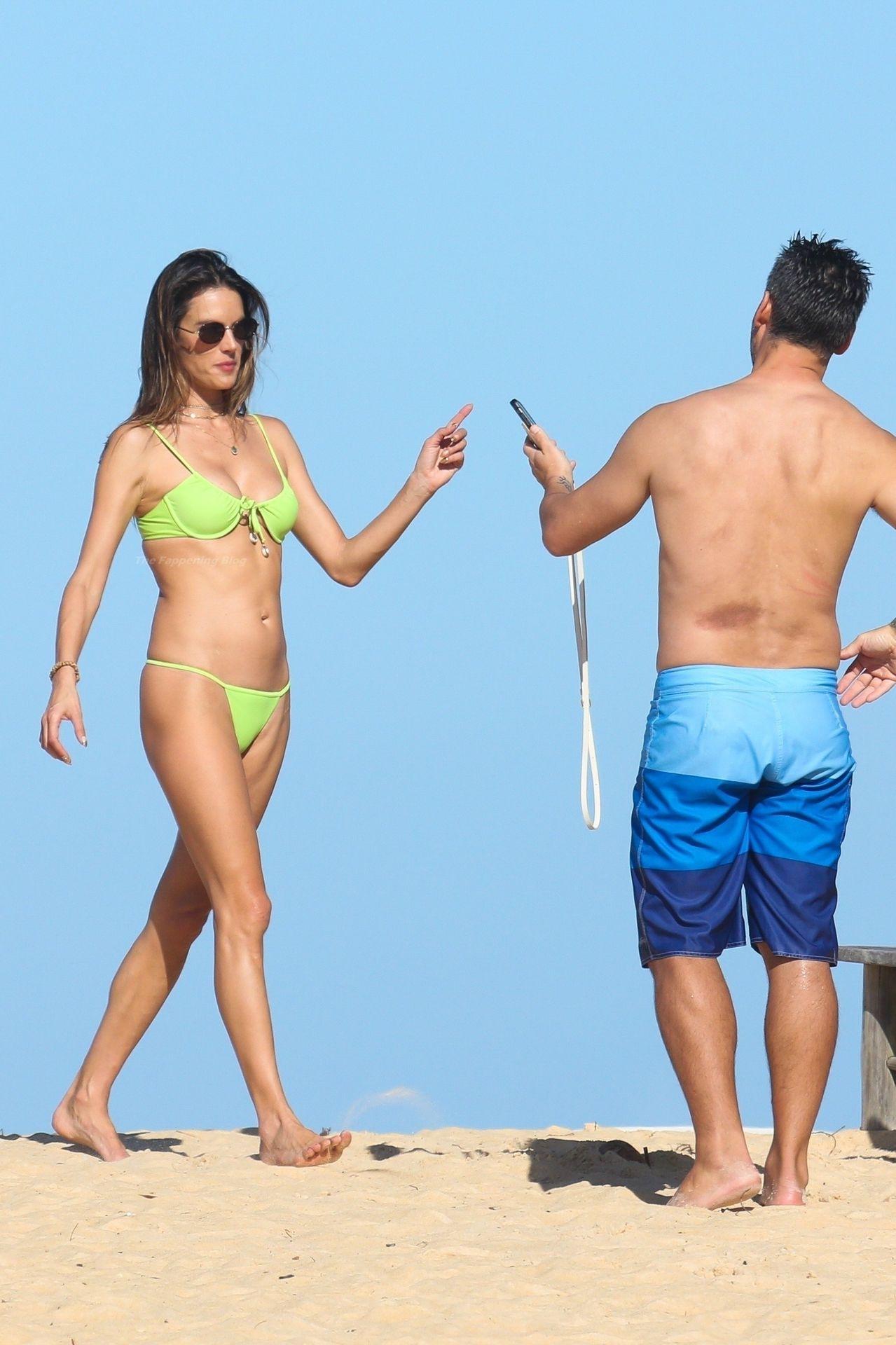 Alessandra-Ambrosio-Sexy-The-Fappening-Blog-841.jpg
