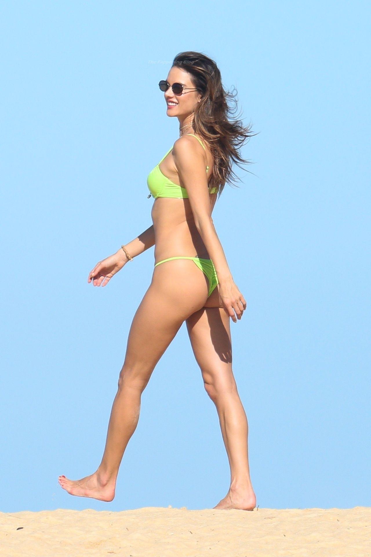 Alessandra-Ambrosio-Sexy-The-Fappening-Blog-881.jpg